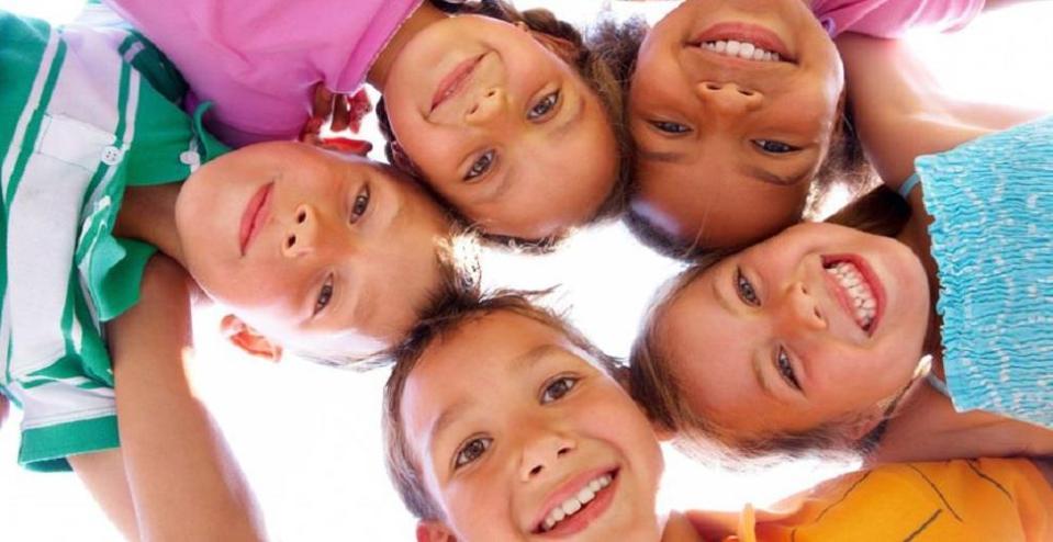 photos d'enfants souriants
